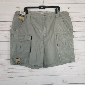 NWT Savane Men's 44 Grey Khaki Cargo Hiking Shorts